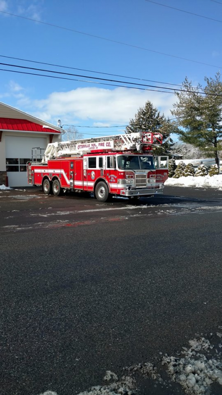 Ladder 49 Leaving Station